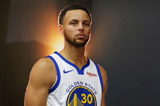 stephen-curry-dang-lang-le-huy-diet-nba-nam-nay-nhu-the-nao